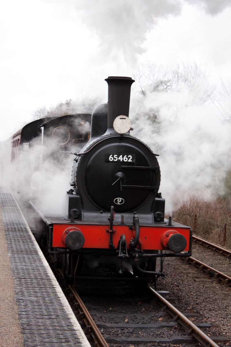 The train arriving at Holt station